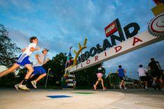 Brick Dash 5K Run and Fun Walk trata-se de um evento que combina família, fitness e muita diversão, tendo por finalidade também prestar apoio ao Winter Haven Hospital Foundation's Fund for Women and Children, e retorna ao Legoland Florida Resort esse ano no dia 11...