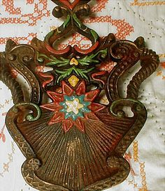 """all cast iron trivets images  