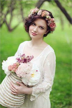 Invitatii de nunta | Nuptialis: Coafura de mireasa – Coronita cu flori