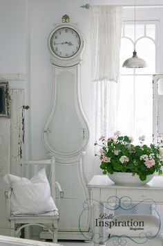 Moira Clock Photo by Nina Hartmann. www.belleinspiration.com