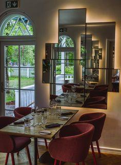 Paju Villa on kaunis ja laadukas ravintola Nõmmessä Tallinnan lounaislaidan puutarhakaupunginosassa. Ravintolalla on samat omistajat kuin palkituilla ja pidetyillä Noalla, OKOlla ja Tuljakilla.  Menu on saanut vaikutteita kokkien Euroopan- ja Aasian-matkoilta. Sesonkiajattelu on myös tärkeässä roolissa. Paikka on sisustettu skandinaavisen rennosti. Paju Villaan pääsee bussilla numerolla 36. Matka keskustasta kestää noin 25 min. Paikkaan kannattaa varata pöytä. #pajuvilla #eckeröline…