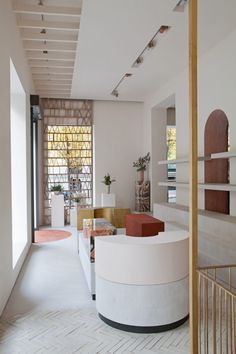 In Madrid, the founders of Malababa called on Ciszak Dalmas and Matteo Ferrari to create a sustainable design shop - 2018   Ciszak Dalmas   Matteo Ferrari   Spanish architects   Spanish interior design   retail store 2018   concept store 2018   commercial architecture   retail   Spanish store   sustainable store   sustainable shop   ecological interior design   ecological materials   arches   white walls   bricks   modern architecture   minimal interior   agate furniture   leather…