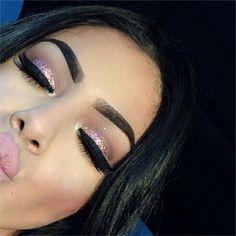 Black hair, pink and sparkling make-up - Prom Makeup For Brown Eyes Makeup On Fleek, Flawless Makeup, Cute Makeup, Prom Makeup, Gorgeous Makeup, Pretty Makeup, Skin Makeup, Awesome Makeup, Gold Makeup