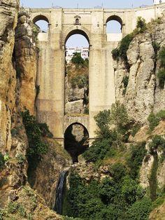 Puente Nuevo, Ronda, Spain (by Dirk Delbaere)