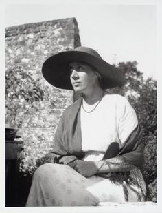 Vanessa Bell at Asheham House, the home of her sister Virginia Woolf circa 1913