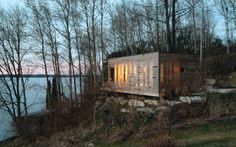 Sunset Cabin by Taylor Smyth Architects, Lake Simcoe, Ontario, Canada