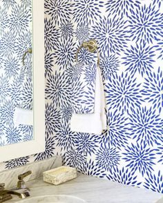 Stunning wallpapers by Katie Kime Words Wallpaper, Wallpaper Samples, Of Wallpaper, Wallpaper Ideas, Glitter Wallpaper, Blue And White Wallpaper, Wallpaper Patterns, Colorful Wallpaper, Powder Room Wallpaper