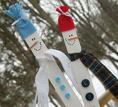 Paint stick snowmen. This tutorial actually talks about how to do this in a 15 minute classroom party - perfect!  http://craftsbyamanda.com/2010/01/paint-stick-snowmen.html