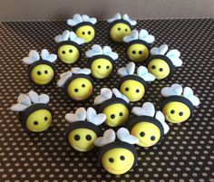 This listing is for 15 fondant bumble bees that can be used as cake/ cupcake toppers for birthdays, baby shower or any bee themed party.  Each bee will