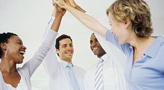 Contrato de formación  y aprendizaje, El Contrato de formación tiene por objeto la cualificación profesional de los trabajadores en un régimen de alternancia de actividad laboral retribuida en una empresa con actividad formativa recibida en el marco del sistema de formación profesional para el empleo o del sistema educativo a través de cursos homologados, específicos para éste tipo de contratos.