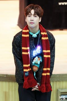 is that a gryfindor scarf bc if it is my love for Jackson like triples Got7 Jackson, Jackson Wang, Mark Jackson, Youngjae, Bambam, Kim Yugyeom, Jinyoung, K Pop, G Dragon