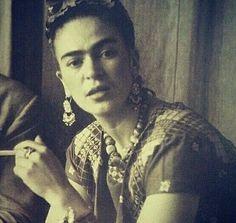 Frida Kahlo~♡