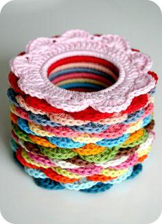 Merry Go Round Bracelets: free pattern link