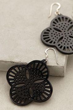 Pretty statement earrings #anthrofave http://rstyle.me/n/ruzqhnyg6