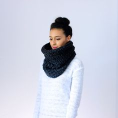 The Lille, Chunky Cowl - CHARCOAL