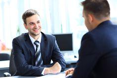 Um den Personaler im Jobinterview zu überzeugen, sollten Sie auch Ihre bisherigen Erfolge ins rechte Licht rücken. So klappt's: http://karrierebibel.de/jobinterview-wie-sie-erfolge-richtig-darstellen/