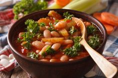 Wenecka zupa z fasoli i makaronu