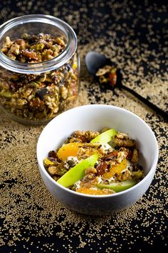 Notengranola met gepofte quinoa