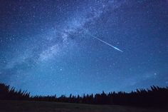Halley's Comet, Perseid Meteor Shower, Astronomical Events, Venus And Mars, Visit Canada, Lunar Eclipse, Blood Moon, Native American Tribes, Dark Places
