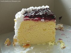 cotton cheesecake with blueberries