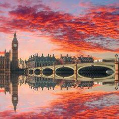 London skyline sunsets - England - Europe.