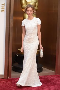Calista Flockhart dio en el clavo con dos tendencias esta noche: vestido blanco y detalles con tejidos joya. #Oscar2014 #PremiosOscar