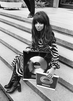 Mariska Veres of Shocking Blue and her black wig #1970s