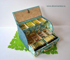 Photo : www. Cute Storage Boxes, Tea Storage, Cardboard Crafts, Paper Crafts, Diy Crafts, Diy Tea Bags, Fabric Covered Boxes, Diy Organisation, Tea Box
