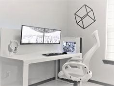The Best Gaming Desk Decor Ideas With Computer Setup 10 Good Gaming Desk, Simple Computer Desk, Gaming Desk Setup, Best Gaming Setup, Gaming Tower Desk, Gaming Desk White, White Desk Setup, Computer Diy, Gamer Setup