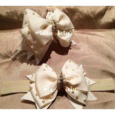 Você encontra em @lazosdelu , peças lindas e delicadas trabalhadas com amor ❤️ ... Obrigada uma vez mais @gi_montezuma #Sophia #Sarah #tiara #faixa #perolas #bege #ivory #perolas #strass #luxo #lindas #lazosdelu