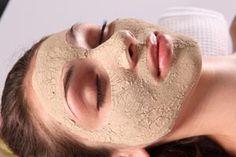 Un masque visage magique pour avoir une belle peau, masque à base de la levure sèche de boulanger qui est riche en vitamines, en anti-oxydants, en protéines, en minéraux et en acides aminés