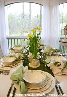 Three Easter Spring Table Settings   http://betweennapsontheporch.net/three-easter-spring-table-settings/