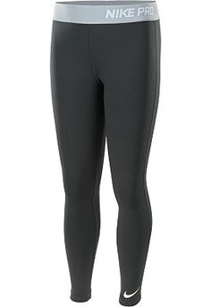 She'll be all set for a super-intense training session with these Nike girls' Pro Core tights!