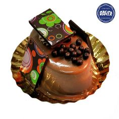 Mousse de #chocolate con leche y #cereales crujientes. Elaborado con cobertura pura de chocolate con leche y su glaseado