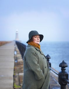 "The absolutely sublime Brenda Blethyn in ""Vera"". Probably one of my absolute most favorite detective shows ever. Famous Detectives, Tv Detectives, Mystery Show, Midsomer Murders, Detective Series, Bbc Tv, British Actors, Favorite Tv Shows, Photos"