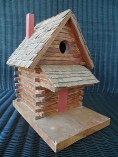 Log Cabin birdhouse !  Cute...