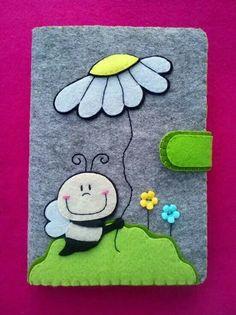 JJ or Lilly journal Foam Crafts, Diy And Crafts, Crafts For Kids, Paper Crafts, Felt Diy, Handmade Felt, Felt Phone, Felt Case, Felt Books