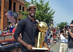 Warriors' NBA trophy making the rounds in players' hometowns