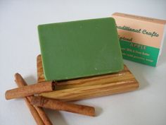Spiced Apple: Traditional Handmade Goats' Milk Soap with Shea Butter - 110g