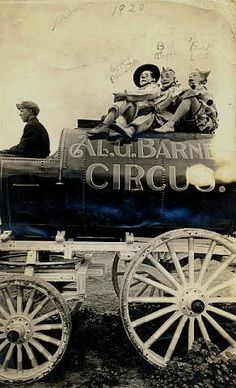 Bert Leo (James Leo Duffy) on Al Barnes' Circus Wagon Clowns (left to right): Curley Phillipps, Bill Taffe, and Bert Leo. Driver of the wagon is unknown. Dark Circus, Old Circus, Circus Acts, Circus Clown, Night Circus, Circus Train, Vintage Circus Photos, Vintage Clown, Vintage Photographs