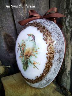 Egg Art, Easter Eggs, Decoupage, Decorative Plates, Shabby Chic, Objects, Christmas Ornaments, Tableware, Bottles