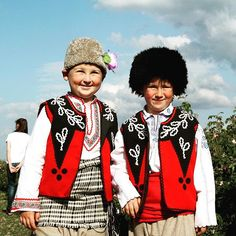 #Young performers in #traditional #costumes at the #Kazanluk #Rose #Festival, #Bulgaria Photo: Devin Connolly #EuropeTravelwithMIR #bulgariatourism #visitbulgaria #everydaycentraleurope #travel #tourism #wanderlust #worlderlust #beautifuldestinations #instapassport #travelgram #culture #summerfestivals #flowers #embroidery #europe