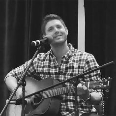 Jensen singing at TorCon2014 smiles so big and bright from this amazing man. I love to hear him sing, never can get enough. its like air.
