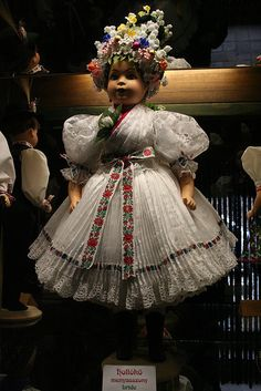 Hungarian bride by zsoolt, via Flickr Chain Stitch Embroidery, Embroidery Stitches, Embroidery Patterns, Stitch Head, Hungarian Embroidery, Austro Hungarian, Bride Dolls, Dollhouse Dolls, Bohemian Gypsy
