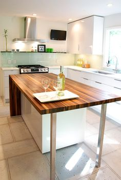 Modern Walnut Kitchen Island - I would lovingly clean this every day! Family Homes, Home And Family, New Homes, Walnut Kitchen, Studio Furniture, Reno Ideas, Interior Architecture, Kitchen Remodel, Kitchen Island