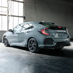 Captivating With A Spacious Interior, A Turbocharged Engine And A Sporty Design, The  2018 Civic Hatchback Sets A New Standard For Hatchback Cars.