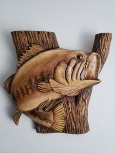3D Bassfish Fish Wood Carving, Dremel Wood Carving, Wood Carvings, Deer Antler Crafts, Spoon Art, Carved Wood Signs, Wood Fish, Wooden Figurines, Wood Carving Patterns