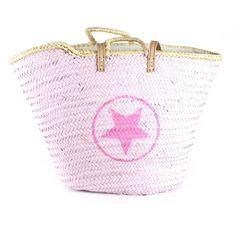 Capazo cerrado rosa con estrella y círculo en rosa chicle. Precio: 40€