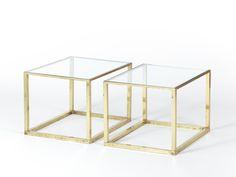 Coppia di tavolini in ottone e vetro