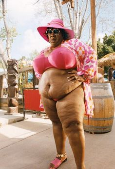 Eddie Murphy as Rasputina in Norbit. Eddie has also displayed his other alters in The Nutty Professor, where he played the roles of Mama and Grandma Klump Norbit Movie, Chicks Be Like, Movie Previews, Eddie Murphy, I Movie, Movie Memes, Comedians, Funny Pictures, Funny Pics
